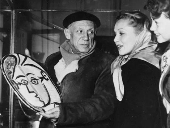 毕加索的情人们