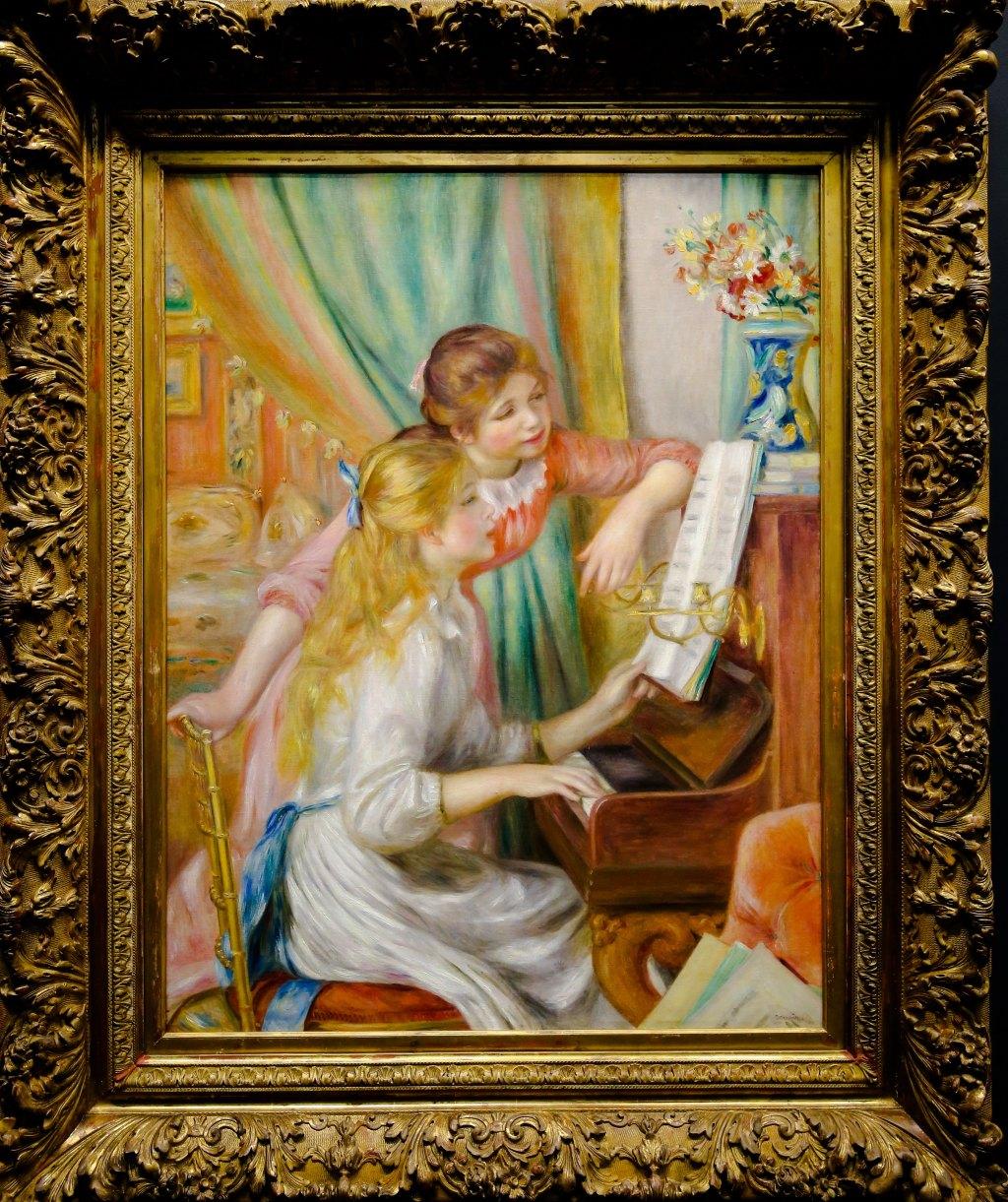《钢琴前的少女》