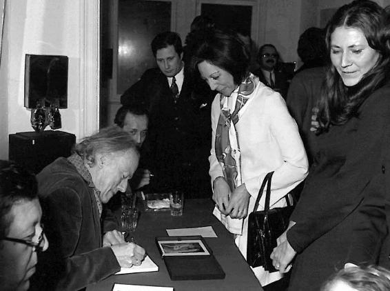 为人签名的德尔沃,1972年于布鲁塞尔