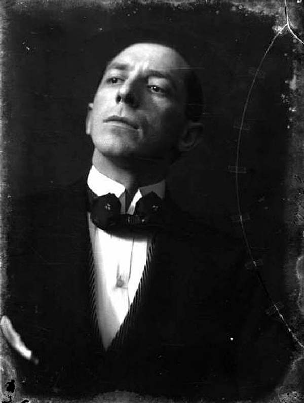 翁贝托·波丘尼肖像