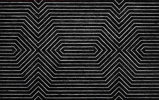 极少主义艺术家弗兰克· 斯特拉的《黑色系列之二:土耳其曼博舞》