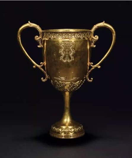 大清光绪  北洋海军成军纪念金杯  纪念杯高 42.3cm   总重 2703g