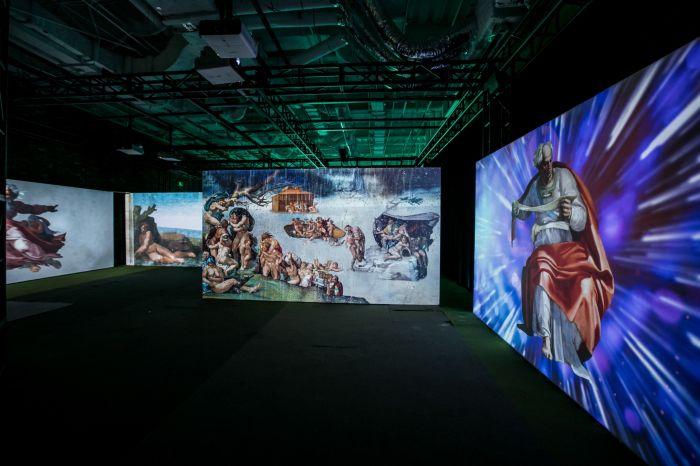 别克 创世纪·米开朗基罗展现场,多媒体动画科技为观众重新诠释《创世纪》的经典故事