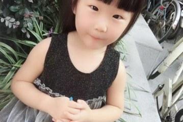 儿童画-好想好想吃葡萄(丙烯画)-黄梓桐-国际青少年美术家