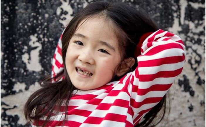 丙烯画-猫世界里的女王-刘奕峤-国际青少年美术家_少美联赛